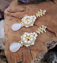 Náušnice - Svadobné náušnice zlato-biele,Swarovski, mosadzné zapínanie - 10212960_