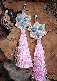 Náušnice - Náušnice z keramických kabošonov,ružové strapce - 10214428_
