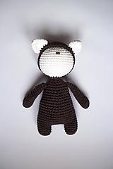 Hračky - Háčkovaná postavička - Hnedá   Biela   tmavá   Ňuňúch s čiapkou   Ušiačik - 10219190_