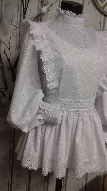 Košele - Biela romantická blúzka s volánikmi a stojačikom - 10219319_