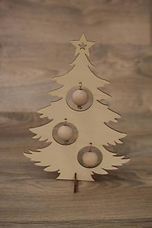 Dekorácie - Vianočný stromček s guľkami - 10217136_