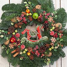Dekorácie - Vianočný veniec s koníkom ... maxi - 10217396_