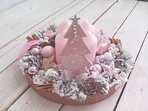Dekorácie - Vianočný svietnik ružový ... zasnežený - 10218009_