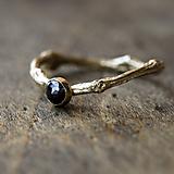 Prstene - Větvičkový s černým diamantem, žluté zlato - 10217209_