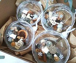 Dekorácie - Vianočné gule 4 ks sada biela s vločkami - 10219872_
