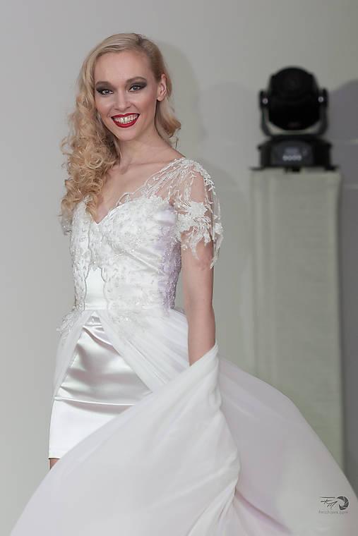598dc9dd366a Svadobné šaty krátke s dlhou sukňou   ELEGANCE-forme - SAShE.sk ...