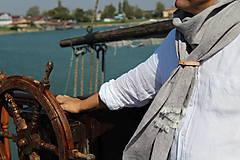 Doplnky - Elegantný ľanový šál s koženým remienkom- Gaetano - 10222748_