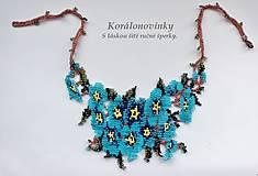 Náhrdelníky - Šitý korálkový náhrdelník - 10220532_