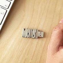 Drobnosti - USB kľúč s vlastným názvom  - 10226941_