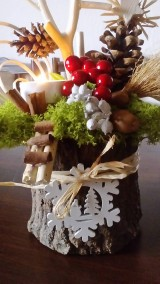 Dekorácie - Vianočný svietnik na klátiku - 10224850_