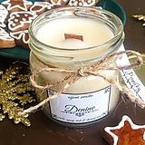Svietidlá a sviečky - Sójová sviečka s dreveným knôtom a s vôňou perníčkov - 10225095_
