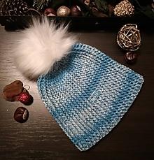 Čiapky - Zimná háčkovaná čiapka s brmbolcom