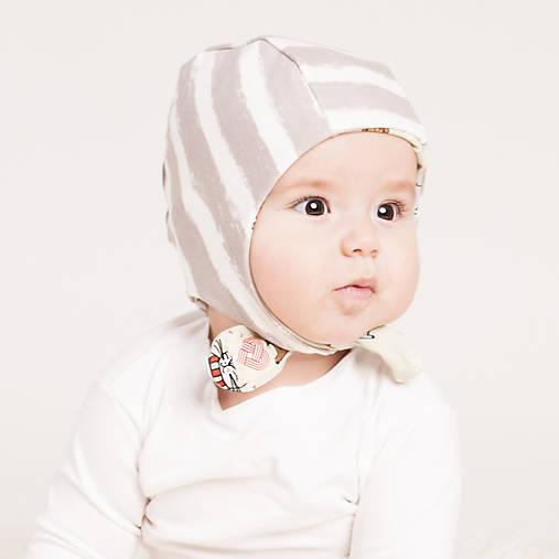Obojstranná zateplená čiapka z bio bavlny GOTS - sivý pásik