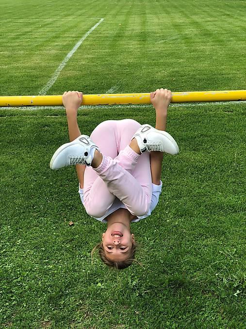Detské teplákové nohavice ružové