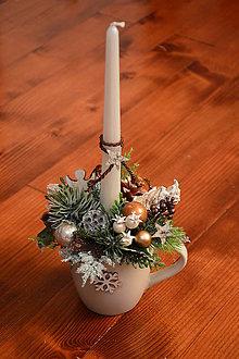 Dekorácie - Vianočný svietnik hrnček so sviečkou - viac farieb - 10226033_