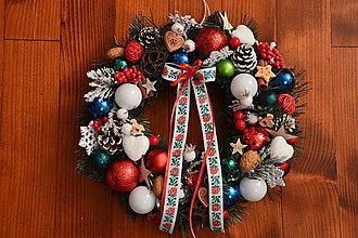 Dekorácie - Folklórny vianočný veniec 32cm - 10226055_