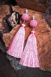Náušnice - ZĽAVA 70 % Visiace náušnice s obšívanou guličkou ružové - 10225457_