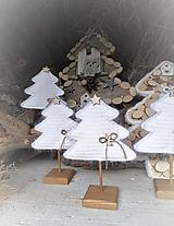 Dekorácie - Vianočný stromček s podstavčekom - 10230481_