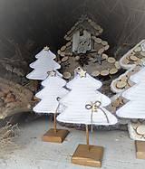 Dekorácie - Vianočný stromček s podstavčekom - 10230483_