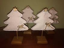 Dekorácie - Vianočný stromček s podstavčekom - 10230746_