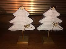 Dekorácie - Vianočný stromček s podstavčekom - 10230747_