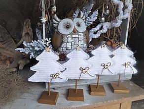 Dekorácie - Vianočný stromček s podstavčekom - 10230486_