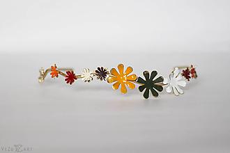 Ozdoby do vlasov - Jednoradová mosadzná čelenka s farebnými kvetmi-Slavianka - 10229838_