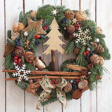 Dekorácie - Vianočný veniec na dvere ... prírodný ... stromček z lesa... - 10231154_