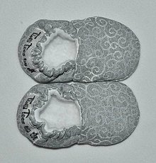 Topánočky - Capačky vianočné strieborné novorodenecké - 10228087_