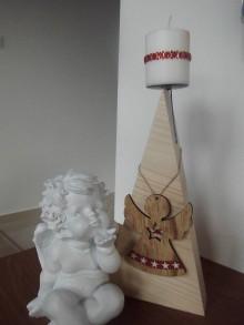 Svietidlá a sviečky - Drevený svietnik Anjel - 10228169_