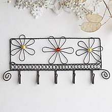 Nábytok - vešiak s kvetmi - 10232923_