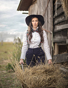 Iné doplnky - Dámsky ČIERNY folk set traky z gumy a extra vystužený motýlik - 10234704_