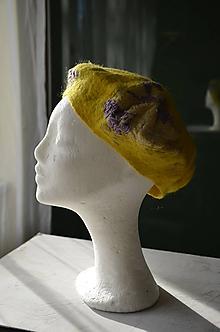 Čiapky - Baretka žltá s fialovou... - 10231679_
