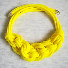 Náhrdelníky - Paracord náhrdelník Viktória- žltý - 10234479_
