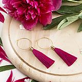 Náušnice - Zlaté kruhové náušnice s cyklámenovým strapčekom - 10233882_