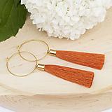 Náušnice - Zlaté kruhové náušnice s oranžovým strapčekom - 10233963_