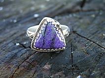 Prstene - Strieborný prsteň Ag925 Sugilit - 10232550_