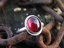 Prstene - Strieborny prsteň Ag925 Granát - 10232670_