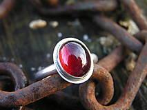 Prstene - Strieborny prsteň Ag925 Granát - 10232672_