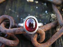 Prstene - Strieborny prsteň Ag925 Granát - 10232673_