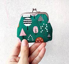 Peňaženky - Peňaženka mini Stromy na zelenej - 10232494_