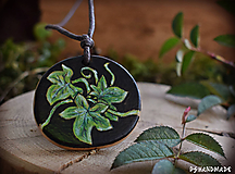 Náhrdelníky - Zelené brečtanové objatie - 10237344_
