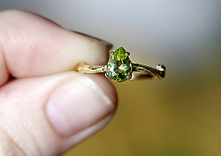 Prstene - Vetvičkový s olivínom v žltom zlate - 10235437_