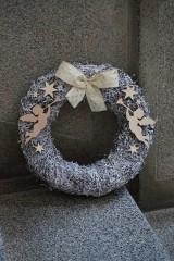 Dekorácie - Anjelské trúbenie - vianočný veniec - 10236611_