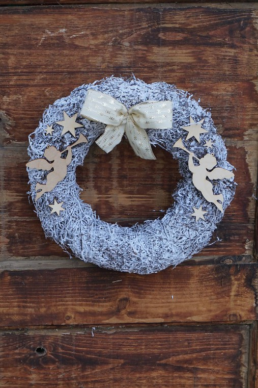 Anjelské trúbenie - vianočný veniec