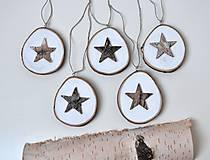 Dekorácie - Drevené ozdoby na stromček-srdiečka a hviezdičky - 10240112_