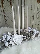 Luxusná vintage adventná dekorácia biela