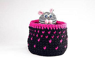 Dekorácie - ČIERNY košík s ružovými srdiečkami L / good mood - 10238850_