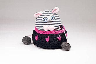 Dekorácie - ČIERNY košík s ružovými srdiečkami MINI / good mood - 10238897_