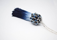 Náhrdelníky - Dlhý korálkový náhrdelník so strapcom, Modrá/Čierna - 10243876_